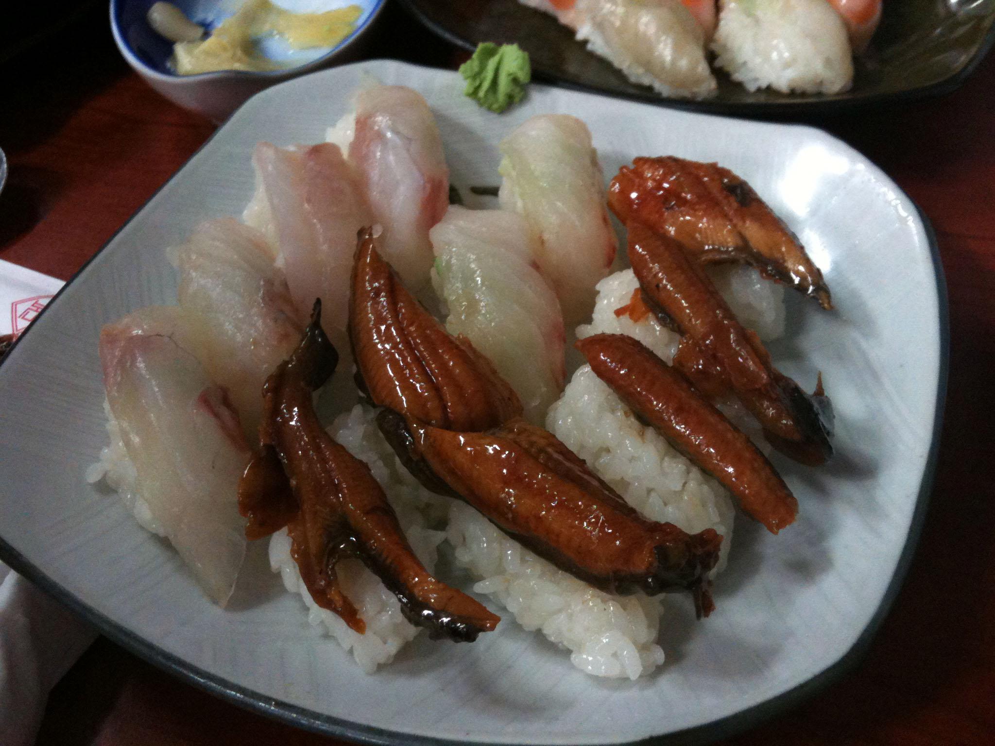 장어, 광어 초밥